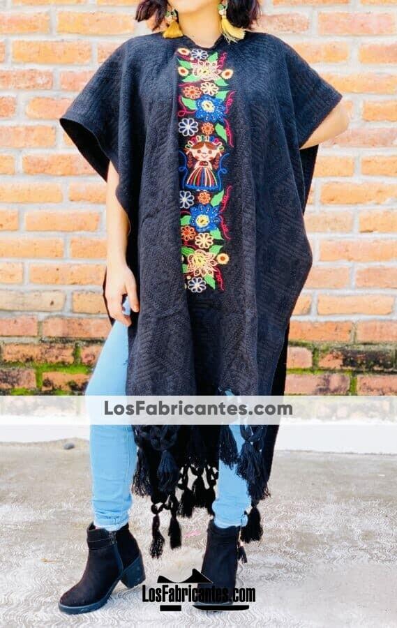 rj00730 Gabán Color Negro para dama de acrilan bordado de flores hecho en Chiapas México mayoreo fabricante proveedor taller maquilador (2)